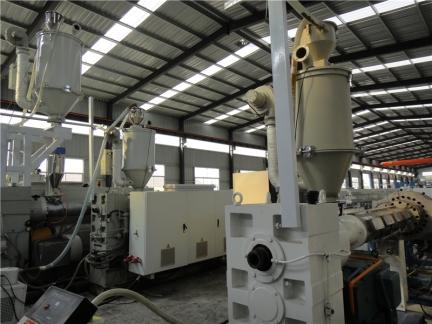 钢丝网骨架塑料复合管厂家 生产现场4