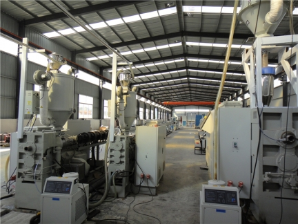 钢丝网骨架塑料复合管厂家 生产现场5